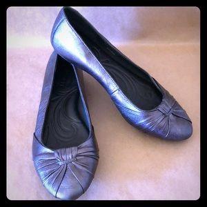 BORN Silver Metallic Ballet Flats EUC!